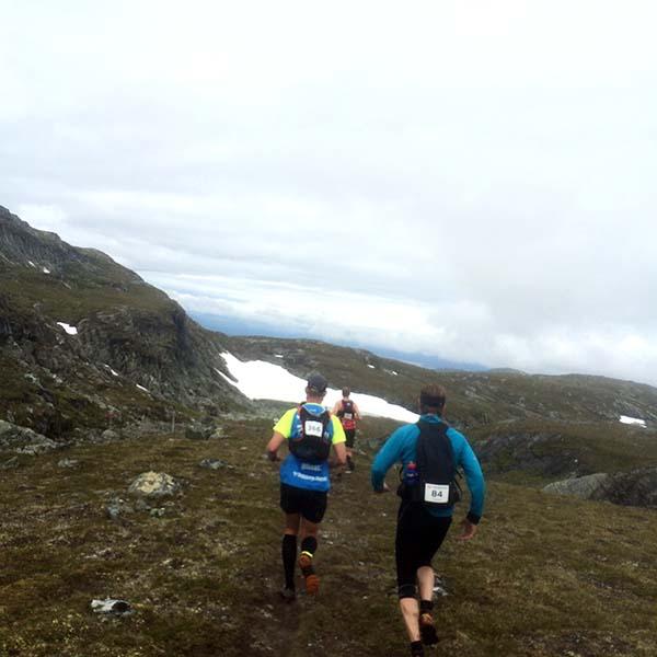 """""""Hallå Trelleborgs Allehanda"""". Killen till vänster hade en tröja från Sydkustloppet 2015. En vän på fjället! Loppet var långt, riktigt långt, så man fick möjlighet att snacka en hel del med de andra löparna. Väldigt kul!"""